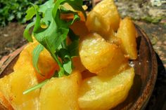Crispy Roasted Potatoes Photo : Jackie Cameron Free Range, Roasts, Stuffed Whole Chicken, Roasted Potatoes, Hens, Potato Recipes, Stuffed Peppers, Candy, Canning