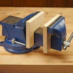 Double-Duty Vise Benchtop Vise Hack I have a metalworking vise in my shop, but occasionally I need a woodworking vise. Rather than buy another vise, I put wooden pads on the shaft of my metalworking vise. They protect the delicate pieces of my woodworking Woodworking Vise, Cool Woodworking Projects, Popular Woodworking, Woodworking Furniture, Woodworking Classes, Furniture Plans, Woodworking Basics, Woodworking Techniques, Kids Furniture