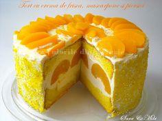Tort cu crema de frisca, mascarpone si piersici ~ Culorile din farfurie