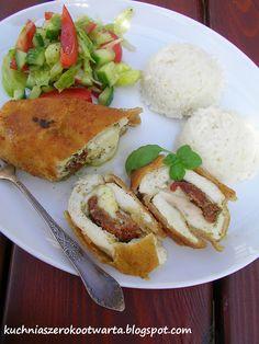 Kuchnia szeroko otwarta - roladki z piersi kurczaka z mozzarelą, suszonymi pomidorami i pesto