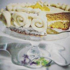 Lemon and white chocolate cake