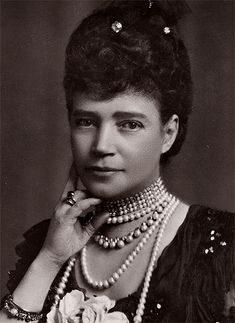 Queen Victoria Family, Queen Victoria Prince Albert, Tsar Nicolas Ii, Faberge Jewelry, Maria Feodorovna, Historical Women, Historical Photos, Post Mortem Photography, Tiaras