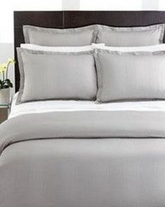 Beautiful Grey Upholstered Bed Decor Color Schemes_35