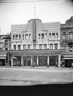Majestic theatre, 1929-87 Wellington City, Wellington New Zealand, British Isles, Kiwi, Old Photos, Notre Dame, Theatre, Past, Scenery