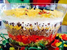 Brasilianischer Schichtsalat