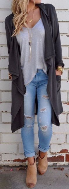long cardi + ripped jeans + tank top #omgoutfitideas #styleoftheday #streetfashion
