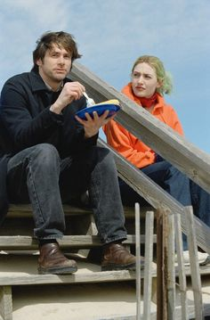 """Eternal Sunshine of the Spotless Mind"" movie still, L to R: Jim Carrey, Kate Winslet. Funny Romance, Romance Movies, Kate Winslet, Movie Photo, Movie Tv, Clementine Eternal Sunshine, Meet Me In Montauk, Michel Gondry, Best Boyfriend"