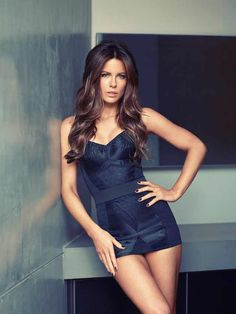 10 Reasons why Kate Beckinsale is still the most beautiful at 44 - Reasons to love Kate Beckinsale. women, celebrities, most beautiful women, best actresses, long-leg -