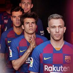For the Blaugrana deviate from its traditional striped home jerseys. Instead, it will debut a checkboard print inspired by the gridded streetscape of Barcelona's Eixample district. Football Outfits, Nike Football, Football Players, Barcelona Football, Fc Barcelona, The Second Shift, International Teams, One Team, Neck Collar