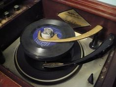 ..no CD player..yes.. I had a record player..pretty close to this one.