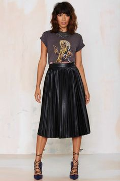 T-Shirt + Pleated Midi Skirt