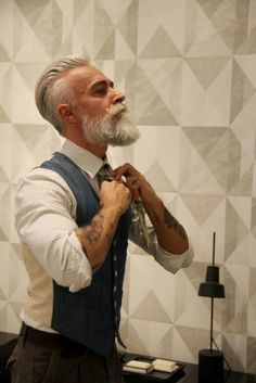 When Old People Dress Like Hipsters (21 Pics) - Today news