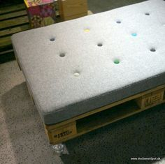 """Pallet daybed from """"Design By Us"""""""