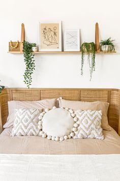 Shelving Above Bed, Shelf Over Bed, Floating Shelves Bedroom, Floating Shelf Decor, Room Ideas Bedroom, Home Decor Bedroom, Decor Over Bed, Leather Strap Shelves, Deco Studio