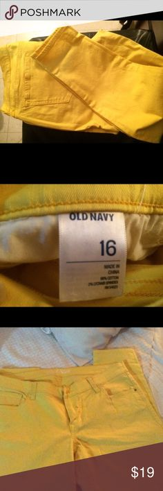 Old navy jeans For sale are a pair of old Navy jeans in a bright yellow. These are preowned. Washed and look good, no major stains or spots. Old Navy Jeans Ankle & Cropped