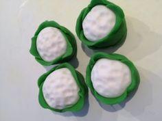 Tuesday Tutorial – National Allotments Week Cupcakes | Blue Door Bakery