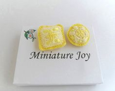 1:12 Scale Dollhouse Miniature Cot Cushions Cot by MiniatureJoy