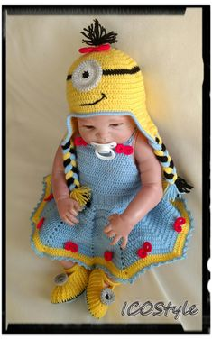 Here is Baby Minion Outfit Collection for you. Baby Girl Crochet, Crochet Baby Clothes, Newborn Crochet, Despicable Me Costume, Minion Halloween Costumes, Crochet Costumes, Baby Costumes, Minion Outfit, Crochet Craft Fair