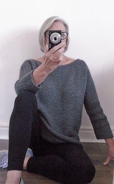 Aran Garter Stitch Tee Sweater Strickmuster von Audrey Wilson - Knitting and Crochet Easy Sweater Knitting Patterns, Free Knitting Patterns For Women, Cardigan Pattern, Knitting Ideas, Hand Knitting, Knitting Blankets, Diy Blankets, Wrap Cardigan, Knitting Yarn