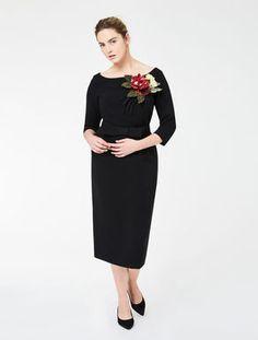 Tube dress with silk flower