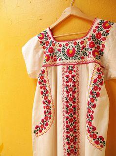 アップ予定~小花刺繍のメキシカンワンピース♪ | *Chiquis*