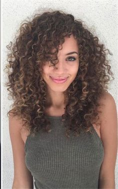 Long Curly Hairstyles and Colors 2019 long curly hairstyles; trendy hairstyles and colors side part long curly hair; middle parted long curly hairlong curly hairstyles; trendy hairstyles and colors side part long curly hair; middle parted long curly hair Curly Hair Fringe, Curly Hair Styles, Curly Hair With Bangs, Crimped Hair, Colored Curly Hair, Haircuts For Curly Hair, 4c Hair, Curly Hair Cuts, Trendy Hairstyles