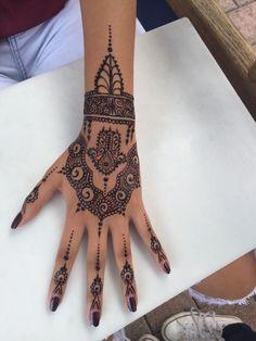 henna-tattoo-selber-machen-hand-finger-mode #samoantattoosdesigns