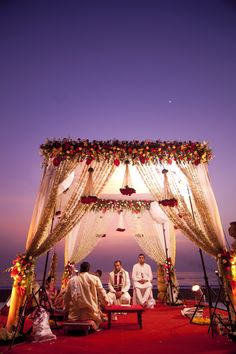 Most Breathtaking Open-Air Mandap Designs To Inspire And Wow You You are in the right place about wedding decorations white Here we offer you the most beautiful pictures about the autumn wedding decor Wedding Ceremony Ideas, Desi Wedding Decor, Wedding Hall Decorations, Marriage Decoration, Wedding Mandap, Wedding Receptions, Arch Wedding, Maroon Wedding, Wedding Cars
