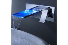こんなクールデザインな水栓を見せられたら、今すぐ洗面所をリフォームしたくなっちゃう。未来派デザインでバスルームをカッコよくしてく...