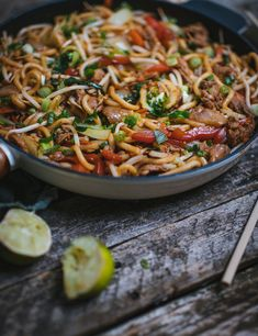 Pork Recipes, Pasta Recipes, Cooking Recipes, Wok, Sushi, Main Dishes, Food Porn, Food And Drink, Yummy Food
