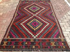 Muted Purple Embroidered Kilim rug, Vintage  Turkish kilim rug, area rug, kilim rug, kelim rug, vintage rug, bohemian rug, Turkish rug, rug by PocoVintage on Etsy https://www.etsy.com/listing/245591411/muted-purple-embroidered-kilim-rug
