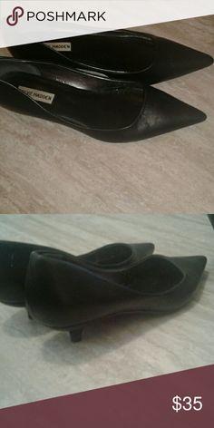 Steve Madden Sybel pumps Black kitten heels Steve Madden Shoes Heels