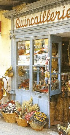 a shop in Provence.i've been reading 'summers in france' by kathryn ireland.the book and this photo make me want to visit provence RIGHT NOW! Shabby Chic, Boho Home, Provence France, Provence Style, Paris France, Shop Fronts, Shop Around, Boutiques, Belle Photo