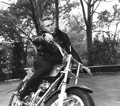 Steve McQueen is unequivocally The King Of Cool in every way.Steve McQueen not only had a great sense of clothing style, but he also had amazing taste in cars, motorcycles and beautiful women. Steven Mcqueen, Steve Mcqueen Motorcycle, Motorcycle Baby, Motorcycle Fashion, Classic Motorcycle, Motorcycle Quotes, Louise Brooks, Jake Gyllenhaal, Sundance Kid