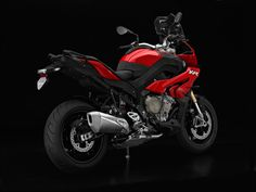 The New BMW S 1000 XR and F 800 R   Autofreaks.com