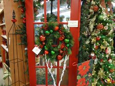 #Christmas Red & Green custom artifical wreath at Stauffers of Kissel's #Dover location. #DelightedatStauffers