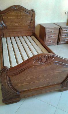 Wooden Pallet Furniture, Bed Furniture, Furniture Plans, Furniture Design, Box Bed Design, Chair Design Wooden, Wooden Bedroom, Victorian Furniture, Wood Headboard