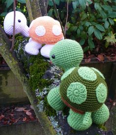 Wandering Turtle crochet pattern PDF @Amy Lyons Brewer I think these ones are super cute!