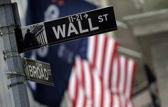 الأسهم الأمريكية تغلق على تراجع في ختام التعاملات - وكالات: أغلقت مؤشرات الأسهم الرئيسية في بورصة وول ستريت الأمريكية على انخفاض الخميس. وأنهى مؤشر داو جونز الصناعي القياسي جلسة التداول منخفضا 90. 13 نقطة أو 07. 0% ليصل إلى 78. 19819 نقطة. وخسر مؤشر ستاندرد آند بورز 500 الأوسع نطاقا 66. 0 نقطة أو 03. 0% ليصل إلى 26.3 2249 نقطة. وتراجع مؤشر ناسداك المجمع لأسهم التكنولوجيا 47. 6 نقطة أو 12. 0% ليصل إلى 09. 5432 نقطة. - المصدر : جريدة المال - شركة عربية اون لاين للوساطة فى الاوراق المالية…