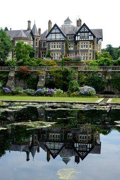 wanderthewood: Bodnant Garden, Conwy, WalesbyEeee Bi Gum / Flickr