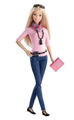 Barbie - Ccp42 - Poupée Mannequin - Réalisatrice  Amazon.fr  Jeux et Jouets 64ad948e429