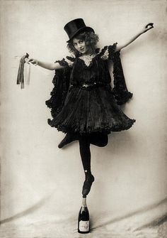 Vintage photo print vaudeville girl top hat ballerina circus dancer photography photograph standing balance champagne bottle wall decor art Vintage photo print circus performer dancer balancing balance champagne bottle black and white photo Belle Epoque, Vintage Photographs, Vintage Images, Vintage Circus Photos, Retro Images, Vintage Models, Vintage Pictures, Ana Pavlova, Cirque Vintage
