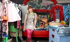 What to Sell at Flea Markets and Vintage Shows
