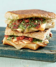My favorite sandwich: A turkey pesto panini. Use sourdough, swiss, pesto, and turkey (or chicken). Grill it up in a few minutes for a easy, delicious lunch. Budget Freezer Meals, Healthy Freezer Meals, Make Ahead Meals, Freezer Cooking, Weeknight Meals, Frugal Meals, Slow Cooking, Panini Recipes, Lunch Recipes