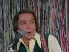 I Think I Love You - The Partridge Family   1970 Check out the clothing on the audience