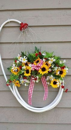 My garden hose wreath. Image only. Jan Roberts My garden hose wreath. Image only. Jan Roberts p My garden hose wreath Image only Jan Roberts 2016 My garden hose wreath Image only Jan Roberts 2016 My garden hose wreath Image only Jan Roberts 2016 p Garden Crafts, Garden Projects, Garden Art, Diy Projects, Garden Ideas, Garden Design, Fence Ideas, Project Ideas, House Design