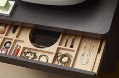 LAKBERENDEZÉS - OTTHON - DESIGN blog: Praktikus fürdőszoba bútor megoldás Design Blog, Cabinet Design, Jewelery, Bathrooms, Boxes, Bathroom Furniture, Houses, Shelving Brackets, Bath