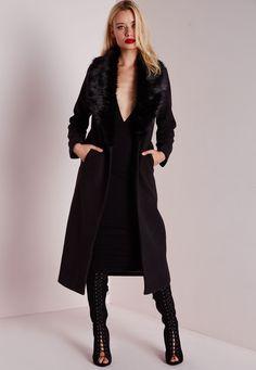 Missguided - Manteau long noir avec col en fausse fourrure