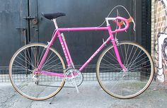 Velo Vintage, Vintage Cycles, Vintage Racing, Classic Road Bike, Bike Components, Road Bikes, Bicycles, Cycling, Garage