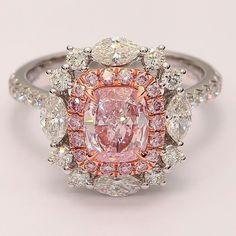 Rosamaria G Frangini | High PINK Jewellery | Pink Diamond and white diamonds.